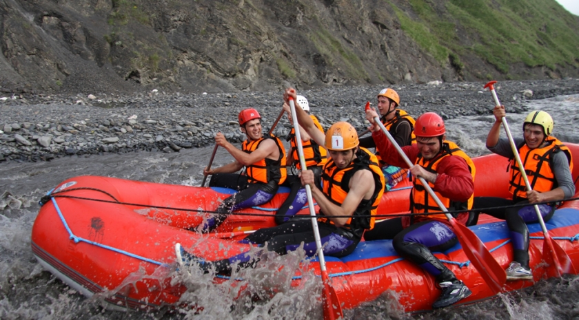 Rafting in the Ahtsu gorge